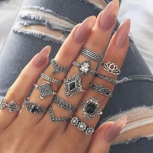 Jewelry - 15pc Ring Set